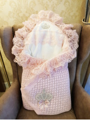 Конверт на выписку Корона с меховым пледом, розовый цвет